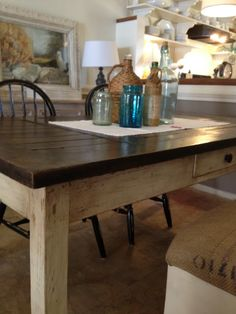 This is a beautiful look for a dining room table!
