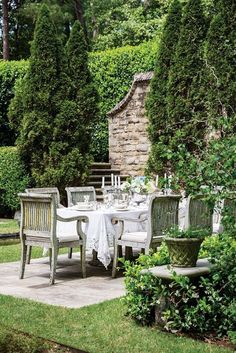French farmhouse and French country life! The outdoor dining area . - French farmhouse and French country life! The outdoor dining area is rustic yet el … - Outdoor Rooms, Outdoor Dining, Outdoor Gardens, Dining Area, Dining Table, Indoor Outdoor, Rustic Outdoor, Patio Dining, Garden Cottage