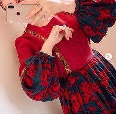 Muslim Fashion, Hijab Fashion, Fashion Dresses, Pakistani Dress Design, Pakistani Dresses, Afghani Clothes, Afghan Girl, Girls Dp Stylish, Muslim Wedding Dresses
