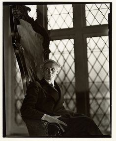 berenice abbott - max ernst new york, 1941 Berenice Abbott, Max Ernst, Harlem Renaissance, Man Ray, Photo Portrait, Portrait Photography, Surrealist Photographers, Antoine Bourdelle, Ville New York