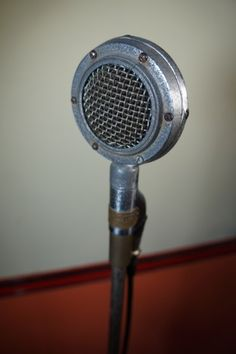 ALUGUEL DE MICROFONE ANTIGO SHURE 1935 - LOCAÇÃO DE MICROFONE ANTIGO