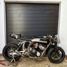 Muscle Bikes - Page 131 - Custom Fighters - Custom Streetfighter Motorcycle Forum 12 February 2016 Street Fighter Motorcycle, Suzuki Motorcycle, Motorcycle Design, Cafe Racer Moto, Suzuki Cafe Racer, Cafe Racers, Suzuki Bikes, Suzuki Gsx, American Motorcycles