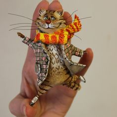 Handmade Polymer Clay, Handmade Toys, Animal Dress Up, Paper Mache Animals, Paper Mache Clay, Cat Doll, Paperclay, Brooches Handmade, Cat Crafts