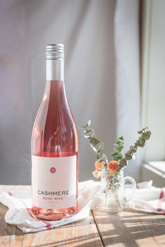 Cashmere Rosé all day. A light and refreshing wine perfect on its own or paired with a fresh summer salad or baked brie. Best Champagne, Spiced Wine, Happy Drink, Wine Photography, Wine Subscription, Sweet Wine, Light Recipes, Summer Salads, Alcoholic Drinks