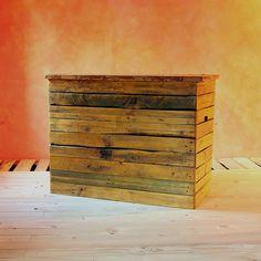 Cassapanca Pallet Settle artigianale realizzata con materiale di recupero, legno da pallet dismessi, da Redolab - Artigiani & Riutilizzo