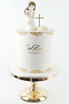 One tier religious first holy communion cake with metallic gold ornate trim and hand painted text. Tutorial at www.vimeo.com/ondemand/cakingitup