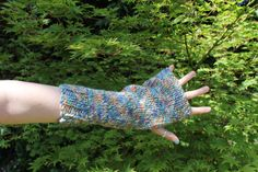Chunky hand knitted armwarmers. Arm Warmers, Hand Knitting, Knit Crochet, Hand Weaving, Cuffs, Crochet