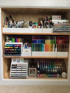 Collaborator Taniesa Vlasak is giving us a sneak peak of her Deskmaid items. Collaborator Taniesa Vlasak is giving us a sneak peak of her Deskmaid items. Art Studio Room, Art Studio Storage, Art Supplies Storage, Art Studio Design, Art Studio Organization, Art Studio At Home, Art Storage, Home Art, Organizing Art Supplies