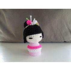Amigurumi Kokeshi Doll - FREE Crochet Pattern / Tutorial http://happyberrycrochet.blogspot.se/2014/02/how-to-crochet-kokeshi-japanese-doll.html