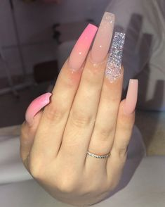 Semi-permanent varnish, false nails, patches: which manicure to choose? - My Nails Bling Acrylic Nails, Best Acrylic Nails, Bling Nails, Claw Nails, Aycrlic Nails, Acryl Nails, Fire Nails, Dream Nails, Perfect Nails