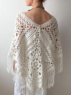 Crochet Poncho Free Pattern, Kalisha Poncho for Summer - Crochet Dreamz Granny Square Poncho, Sunburst Granny Square, Crochet Poncho Patterns, Crochet Shawl, Crochet Vests, Crochet Cape, Flower Crochet, Crochet Edgings, Shawl Patterns