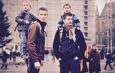 Le Piggyback Rider : porter son enfant sur son dos Sons, Bb, Parents, Gadgets, Winter Jackets, Fashion, Ring Sling, Kid, Appliances