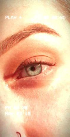 Film Aesthetic, Aesthetic Videos, Aesthetic Pictures, Eye Lens Colour, Eye Color, Honey Bee Photos, Eyes Artwork, Eyebrow Brush, Sensitive Eyes