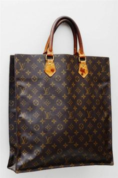 Louis Vuitton Sac Plat GM Monogram Authentic Tote Hand Bag! Louis Vuitton,  Monogram 90dcf3fb648