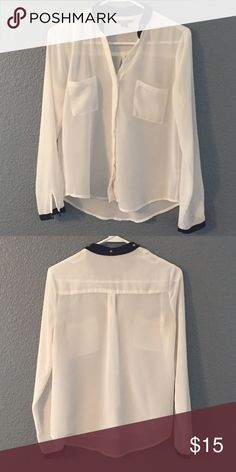Forever 21 black and white blouse Great condition only wore once Forever 21 Tops Blouses