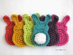 Earlier this week I posted Bunny Tags with cute little pom-pom tails that got me thinking… I bet I could make a crochet version. Turns out my Crochet Snowman Applique made a perfect starting point for these bunnies! You will see the similarities in the pattern below. Use as an appliqué or string them together …