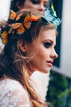 Exquisite Butterfly Crowns & Headbands Randi Matalas from Viva Delfina creates exquisite butterfly crowns made of feathers and stardust in the sunshine state of California. Inspired by the cosmos and...