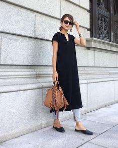 ファッション ファッション in 2020 60 Fashion, Fashion Mode, Fashion Looks, Womens Fashion, Fashion Design, Fashion Trends, Dress Over Pants, Dresses With Leggings, Simplicity Fashion
