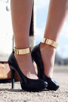 Ankle Cuffs + Pumps ♥ Sexy!