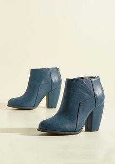 Shh, don't tell, but we're going to let you grab a glimpse of these ocean blue booties before they arrive at your doorstep. Stretchy side goring and block heels combine to form these faux-leather booties - but wait, they get better - angular panels transform this classic pair into some seriously stylish shoes!