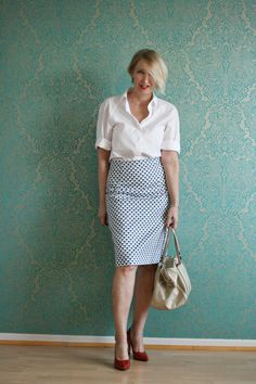 A fashion blog for women over 40 and mature women http://www.glamupyourlifestyle.com/  Blouse: Strenesse Skirt: Dorothee Schumacher Shoes: Noe  Bag: Bima y Lola