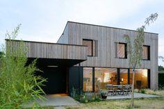Villa B, tectoniques architectes, bioclimatic house, eco house, energy efficient house, sedum roof