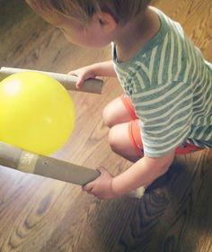 balloons and cardboard tubes = magic Physical Activities For Kids, Motor Skills Activities, Movement Activities, Montessori Activities, Activity Games, Fun Games, Toddler Activities, Learning Activities, Preschool Activities