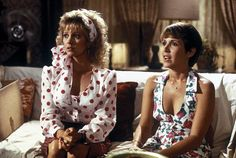 Wendy Schaal and Carrie Fisher in The Burbs 1989