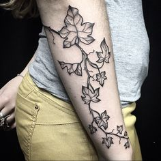 Ivy tattoo by Miss Sita At Oneonine Tattoo Barcelona Botanical tattoo