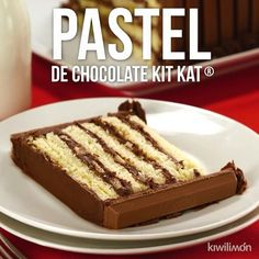 Kit Kat Chocolate Cake Video- Video de Pastel de Chocolate Kit Kat If you are a Kit Kat lover, this dessert is for you. The delicious chocolate flavor will invade all your senses making you addicted to this unique dessert. Delicious Chocolate, Chocolate Flavors, Chocolate Desserts, Unique Desserts, Delicious Desserts, Yummy Food, Fudge Recipes, Cake Recipes, Dessert Recipes