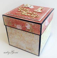 Sezon ślubny uważam za otwarty.   Dzisiaj prezentuję jedną z moich prac z tej okazji.   Exploding Box wykonany na bazie z naszego sklep...