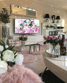 Recreate this white and pink cozy living room decor - Design + Living Room Decor Cozy, New Living Room, Living Room Interior, Home And Living, Cozy House, Living Room Designs, Interior Design, Interior Modern, Interior Paint