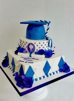 The Finishing Touch Of Cake Decorating College Graduation Cakes, Graduation Party Desserts, College Fun, Graduation Ideas, Cake & Co, Cake Shop, Fondant Cakes, Cupcake Cakes, Cupcakes