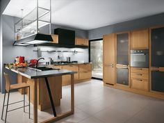 An original layout where food preparation is the central activity transforms the Focus kitchen into a creative workshop, ideal for keen young chefs
