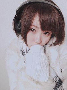 """たろーさんのツイート: """"@yomichiyuki_ws ヘッドホン似合う系女子や 4枚ともマジで可愛い‼︎"""" #headphones"""