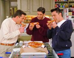 """72 Truths """"Friends"""" Taught You About Life In Your Twenties"""