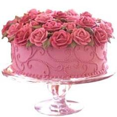 Pretty! Pink cake with roses.