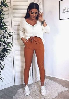 Stylish Dresses and Outfits for Every Woman in 2019 Cute Fall Outfits, Trendy Outfits, Fashion Outfits, Womens Fashion, Fashion 2018, Fashion Boots, Mode Bcbg, Vetement Fashion, Crop Top Outfits