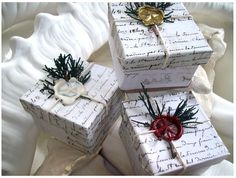 Pretty wax seal wrapping idea I would use different stamp for Xmas, birthday and other occasions