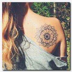 50 Beautiful Back Tattoos for Women Armbeugen Tattoos, Hawaiianisches Tattoo, Tatuajes Tattoos, Trendy Tattoos, Piercing Tattoo, Black Tattoos, Body Art Tattoos, Girl Tattoos, Sleeve Tattoos