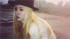 f(x) Krystal red light Jessica & Krystal, Krystal Jung, Fx Red Light, South Korean Girls, Korean Girl Groups, Best Kpop, Sulli, Ice Princess, I Love Girls