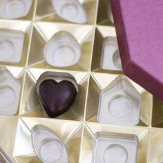 Compartir el último bombón es amor del bueno! Sundays in love   Por cierto mañana publicaré nuevo post para que triunféis con la presentación de vuestros regalos
