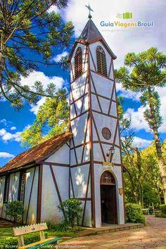 Fundada por alemãs, Nova Petrópolis preserva a forte influência deste povo europeu em seus costumes, arquitetura e tradições. Saiba mais >>> http://www.guiaviagensbrasil.com/rs/nova-petropolis/