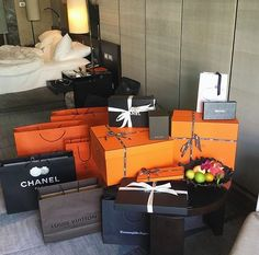 Image about luxury in Life Goals 💯 by yung🧚🏼♀️ Boujee Lifestyle, Luxury Lifestyle Fashion, Sacs Design, Luxe Life, Luxury Shop, Rich Girl, Luxury Beauty, Luxury Living, Oahu