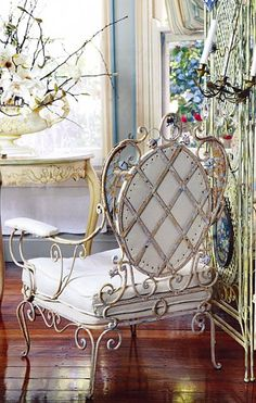 Vintage Victorian - Beautiful wrought iron chair with white cushions Shabby Chic Furniture, Home Furniture, Love Chair, Deco Addict, French Country Style, Take A Seat, French Decor, Cottage Style, Decoration