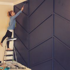 Everything You Need to Know to Make A Herringbone Accent Wall! - The Decor Mama diy home accents Everything You Need to Know to Make A Herringbone Accent Wall! - The Decor Mama Style At Home, Diy Wall Decor, Bedroom Decor, Home Decor, Black Wall Decor, Office Wall Decor, Modern Wall Decor, Office Walls, Home Renovation