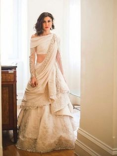 71 Mind-Boggling Lehenga Designs That Will Make Your Day!in 71 Mind-Boggling Lehenga Designs That Will Make Your Day! Indian Wedding Gowns, Indian Bridal Outfits, Indian Gowns Dresses, Indian Fashion Dresses, Dress Indian Style, Indian Designer Outfits, Designer Dresses, Indian Wedding Clothes, Bride Indian