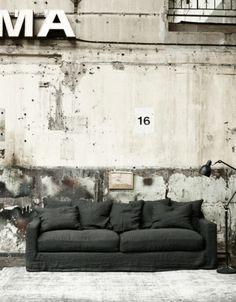Love the concrete wall!