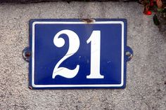 House 21 Magic Number, Cool Typography, Flip Clock, Lululemon Logo, 21st, Cool Stuff, Prints, Inspiration, Wallpapers