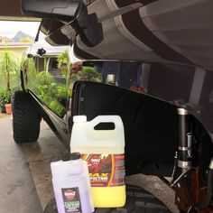 Pearl Nano Ceramic Waterless can be used as a ceramic paint sealant, clay lube, waterless wash, rinseless wash, quick detailer, water softener, and more.. all at different dilution ratios.